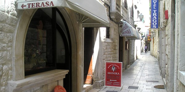 Restauranter-Trogir-10