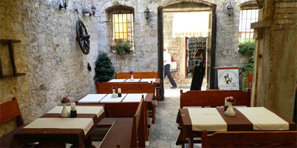 Restauranter-Trogir-4