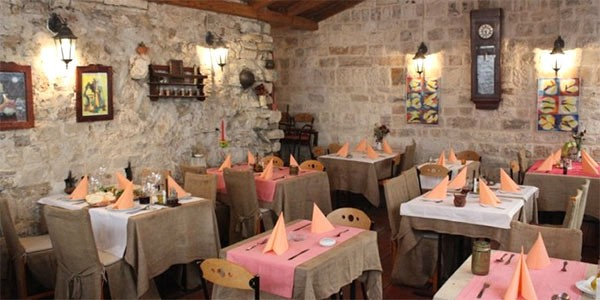 Restauranter-Trogir-9